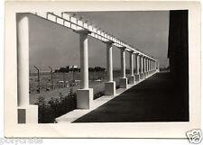 Architecture Colonnes ligne point de fuite - photo ancienne snapshot an.1950
