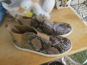 """Women's coconuts """"Faux snakeskin"""" Ankle shoes by Matisse Size 9"""