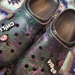NEW Crocs 420 Limited Edition Classic Holiday Hemp Clog 6 Jibbetz  Mens Size 9