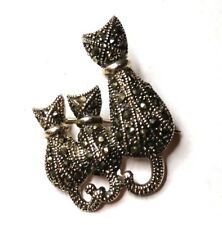 """Lovely 1 3/16"""" Sterling Silver Marcasite Encrusted Kitty Cat Family Brooch Pin"""