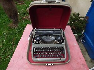 Machine IN Typewriter Facit Portable Vintage Typewriter
