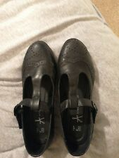 Ladies black brogues size 6