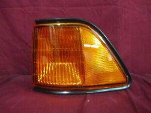 NOS OEM Dodge Spirit Fender Mounted Side Marker Lamp 1992 - 95 Left Hand AMBER