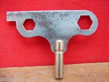 Jolie ancienne clef et outil, bronze et métal pour pendule ou jouet