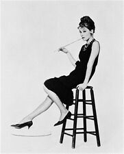 AUDREY HEPBURN AS HOLLY GOLIGHTLY FROM BREAK 8X10 PHOTO classic pic 167836