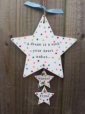 Fatto a mano personalizzato targa Porta Firmare neonato nursery regalo ARCOBALENO