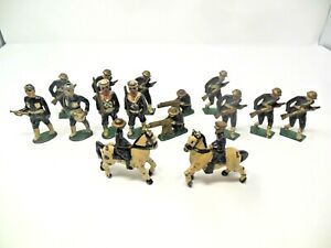 VINTAGE**RARE** LOT OF 15 BARCLAY MANOIL CAST IRON WW1 BRITISH SOLDIERS. NICE!