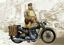 Triumph 3 HW Motorcycle Plastic Kit 1:9 Model 7402 ITALERI