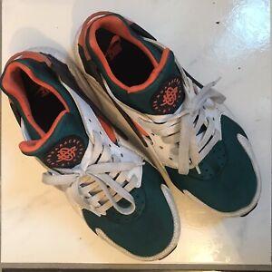 Nike Air Huarache Run SE Shoes AT4254-102 White/Green/Orange Us Men's 8.5 UK 7.5