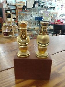 RARE! VINTAGE SOLID BRASS KING & QUEEN FIGURAL BOTTLE STOPPERS W/ CORKS