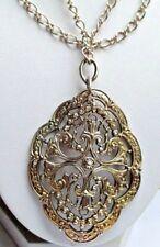 grand collier pendentif bijou vintage couleur vieil or finement ajouré 509