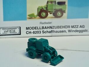 MZZ  3151 Z-scale Tractor Loader in metal NIB