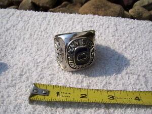 1982-86 Penn State Nittany Lions Novel Larage Display Ring