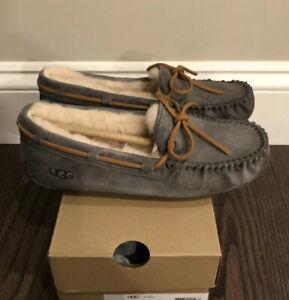 New UGG Women's Size 7 Dakota Moccasin Slippers PWTR Pewter Gray