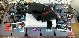Nintendo NES Console Video Game Lot 18 Games Controllers RF Cable Power Supply