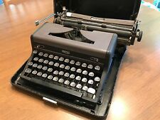 typewriter ROYAL QUITE DELUXE WORKING ORDER