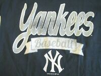 New York Yankees Baseball Campus Lifestyle Women Small Distressed T Shirt NEW