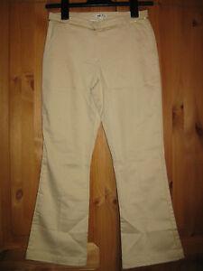 TOP NEU leichte DKNY Mädchen Stretch Jeans Gr.10 beige
