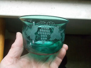 PONTILED TEAL GREEN FREE BLOWN GLASS FINGER BOWL WHEEL ENGRAVED GRAPES & VINES