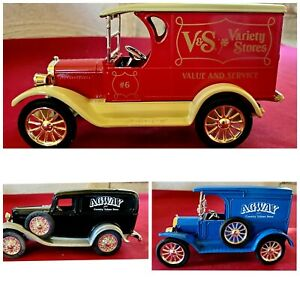 ERTL COLLECTIBLES Agway And Variety Store Bank Lot