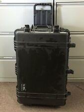 NEW PELICAN BLACK 1650 CASE 28.6IN X 17.5IN X 10.7IN W/O FOAM PN# 1650