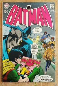 Batman #222 FN/VF Q DC Silver Age Key Neal Adams Beatles take off Cover See Pics