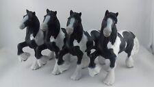 Lot 4 figurines chevaux PAPO 2007