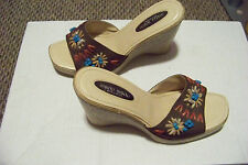 womens bisou bisou brown fabric straw embellished slip on wedge heels shoes sz 8