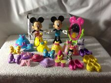 """Set Of 2 Minnie Mouse 6"""" Palstic Movable Head And Arms, With Lots Of Cloth & Acc"""