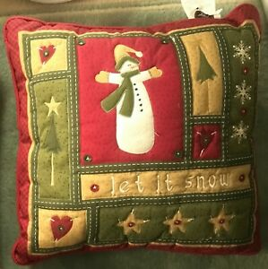 """Kohl's Country Christmas 'let it snow' & Solid Burgundy 17""""x17"""" Square Pillows"""