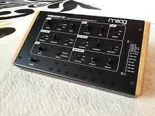 Madera de roble sólido final mejillas Soporte para MOOG taller 01 sintetizador analógico