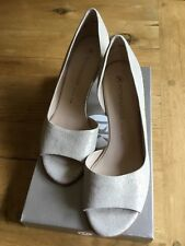 Peter Kaiser Wedding Open Toe Shoes in White Gold Size 6, 2.5 inch heels