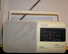 Sony ICF-790S  kleines Kofferradio  weiß