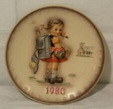 "M.I Hummel, Goebel 1980 Annual Plate ""School Girl"" in original box"