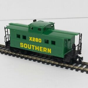 Life-Like HO Scale Southern Caboose X280 Green Vintage Excellent Condition