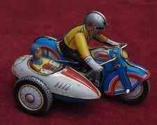 MAGNIFIQUE ANCIEN jouet mécanique a remontoir made in china moto MS 709 side car