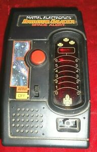 Vintage 1978 Mattel Electronics Battlestar Galactica Space Alert Handheld -WORKS