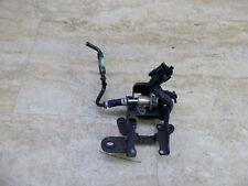 05 Yamaha Road Star Warrior XV1700 Y190-2. fuel pressure regulator and bracket