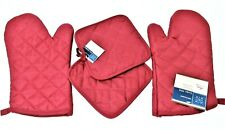 Oven Mitts and Pot Holders 4 piece set ~ Red