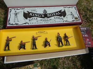 BRITAINS, British The Kings Royal Rifle Corps in Action #8822 in box lead, Az