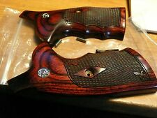 SMITH & WESSON N FRAME GRIPS ROUND BUTT W/ S&W MEDALLIONS ROSEWOOD W/ CHECKERING