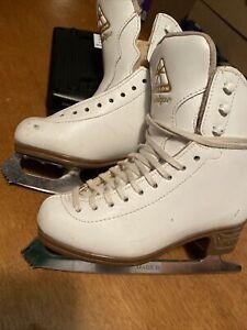 Jackson Classique Figure Ice Skates Girls 1891 1B With Mark IV Blades Mint White