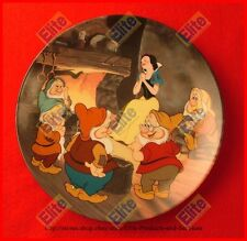 """Snow White and the Seven Dwarfs """"Fireside Love Story"""" Collectors Plate - MIB"""