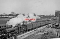 PHOTO  GWR HALL NO 6959 PEATLING HALL 1961 AT OLD OAK COMMON EAST JUNCTION DOWN