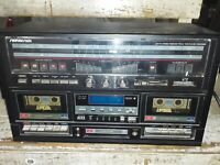 Vintage Soundesign 5994 AM-FM Stereo Reciever/Cassette Recorder/8 Track Player