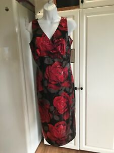 NEW Women's La Belle Dress Size 9/10 Light Weight Black with Red Roses no Lining