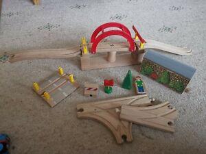 Thomas the Tank Engine Wooden Wood Brio Train Set Swing Bridge Sodor Tunnel ++