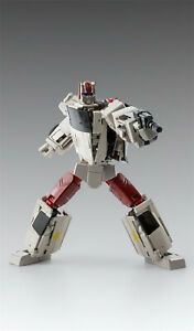 In-Stock X-Transbots MX-30 MX 30 Fuzz G1 Streetwise Action Figure