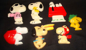 Vintage 1960s United Feature Syndicate Peanuts Snoopy Woodstock Kitchen Magnets