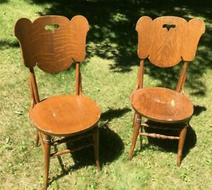 **Vintage ANTIQUE DINING CHAIRS FLAMED MAPLE SCROLL CUT ROUND SEAT PAIR SLAB